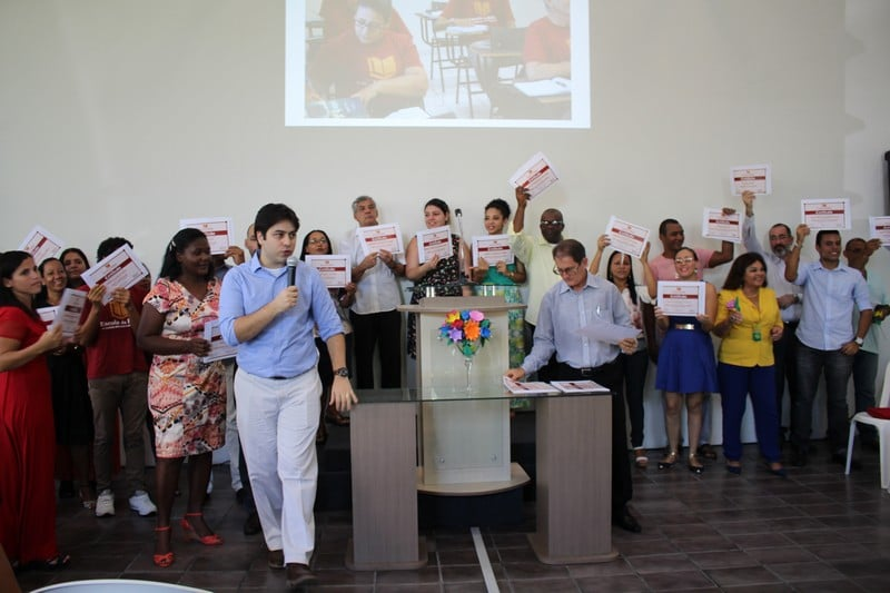 School of the Bible students receive certificates