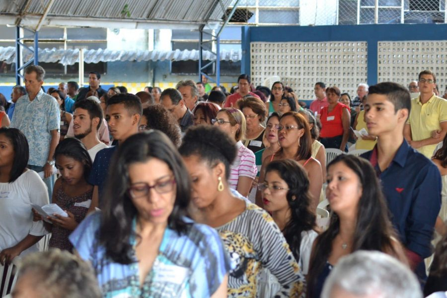 Brethren from all around Greater Recife come together